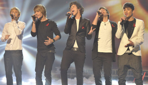1D Semi Final 2nd Song Chasing Cars (But Instead I'm Chasing U) :) x