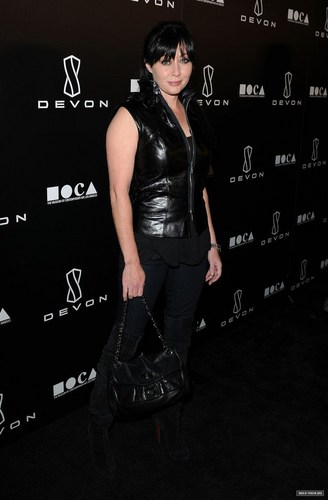 2010,12,08 Devon Flagship Store Launch In Beverly Hills