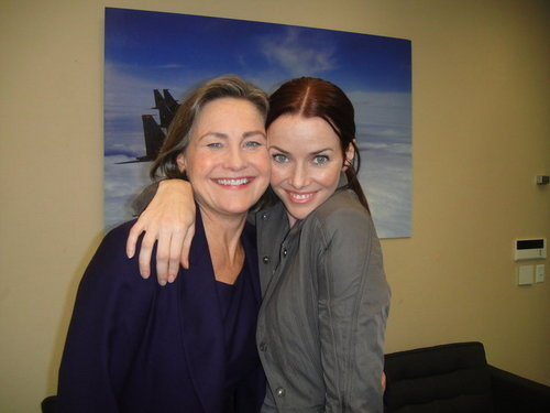 Annie & Cherry Jones on S8 Set