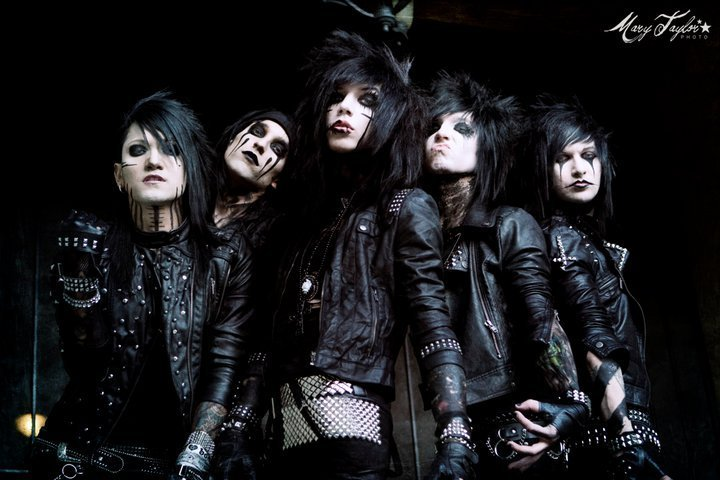 Your Other Favorite Artists/Bands? BVB-3-black-veil-brides-17534719-720-480