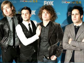 Billboard Awards Red Carpet 2004