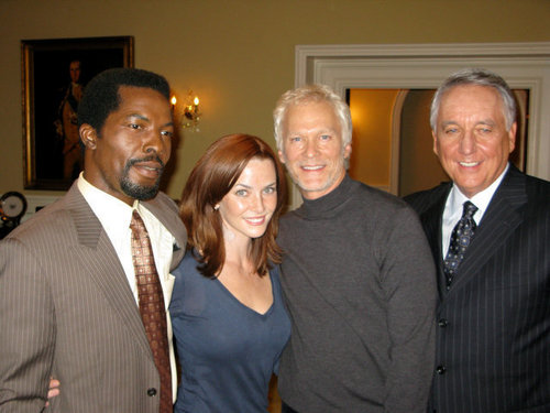 Isaach De Bankole, Annie, James Morrison, & Bob Gunton on S7 Set