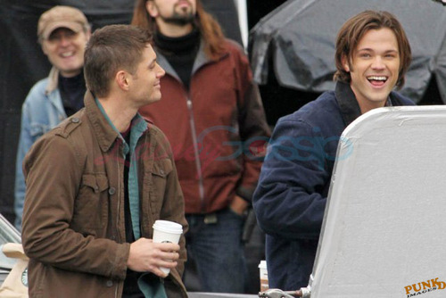 Jensen Ackles and Jared Padalecki shoot in Vancouver - 9 Dec.