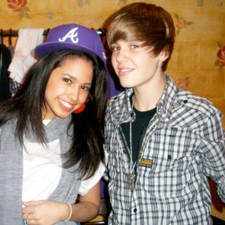 Justin Bieber and جیسمین, یاسمین Villegas