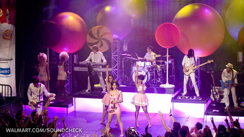 Katy Perry on Walmart Soundcheck