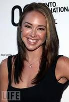 Lindsey McKeon वॉलपेपर containing a portrait titled Lindsey