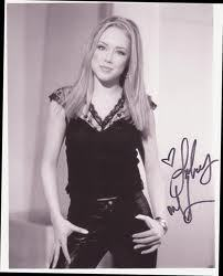 Lindsey McKeon wallpaper possibly containing a portrait titled Lindsey