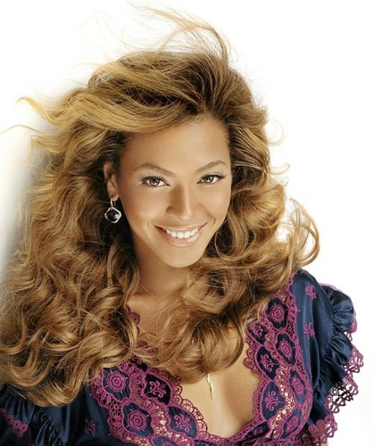 Beyonce wallpaper probably with a portrait titled Lovely Beyonce Photo