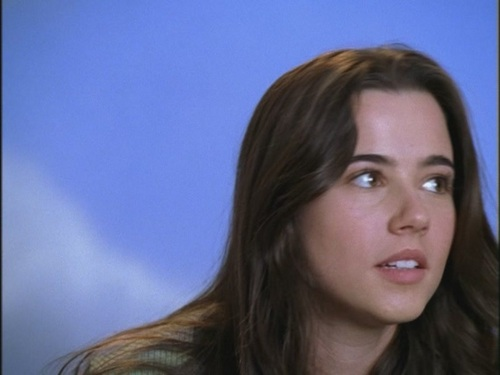 Freaks and Geeks hình nền with a portrait called Opening Credits: Linda Cardellini