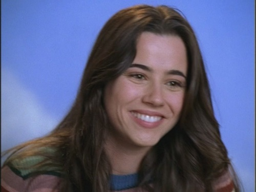 Freaks and Geeks hình nền with a portrait entitled Opening Credits: Linda Cardellini