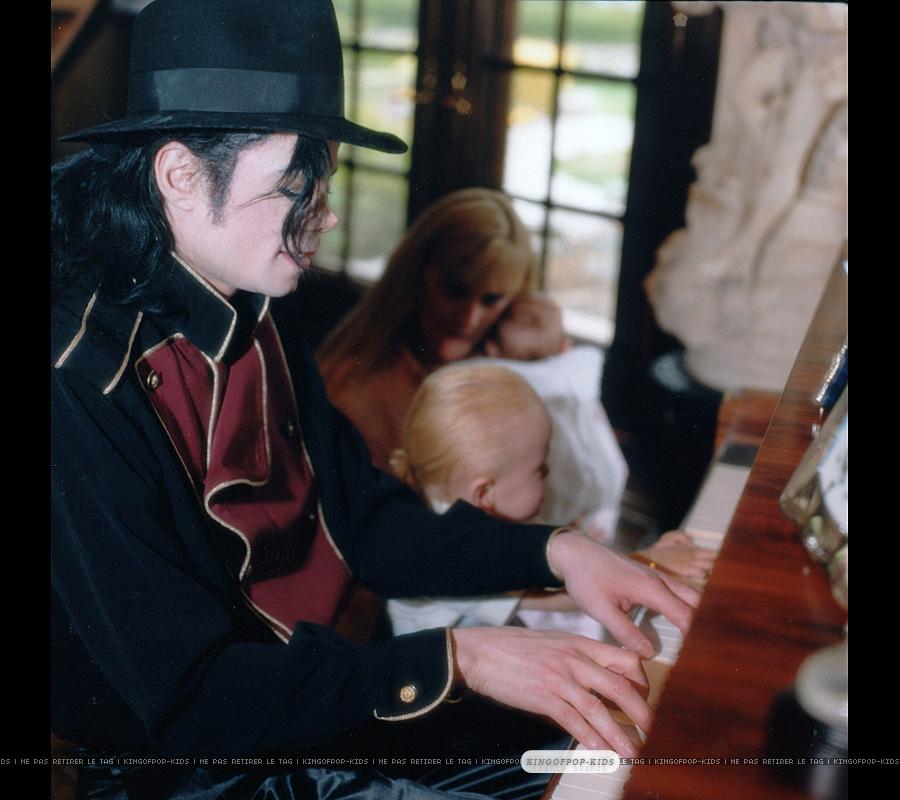 Prince - prince-michael-jackson photo