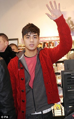 Red Hot Zayn At Bradford, Hmv 4 A Book Signing (I Was Their) :) x