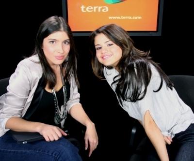 Selena @ Terra.com Live Chat