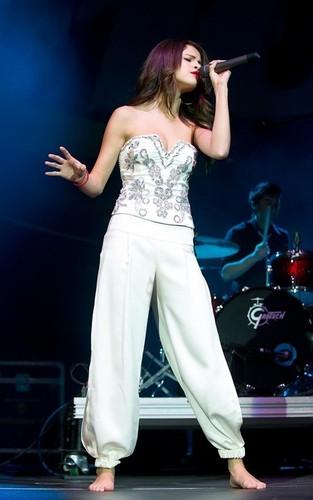 Selena at the Q102 Jingle Ball - December 8, 2010