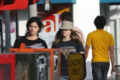 Shopping on Melrose in Los Angeles - 01.09.04
