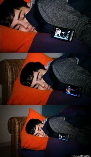 Sizzling Hot Zayn Fast Asleep zzz Aww (He's My Sleeping Beauty) He owns My herz & Always Will :) x