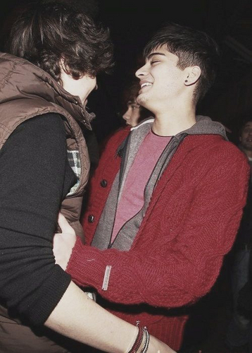 Sizzling Hot Zayn & Flirty Harry (Embracing) At Book Signing In Hmv Bradford (I was Their) Best Day
