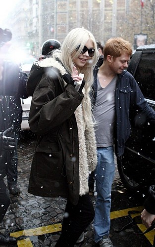 Taylor out in Paris - December 8, 2010