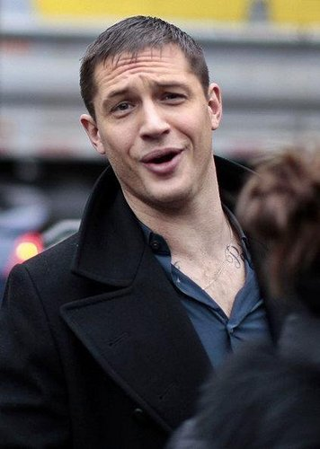 Tom Hardy wallpaper with a business suit called Tom on set 'This Means War'