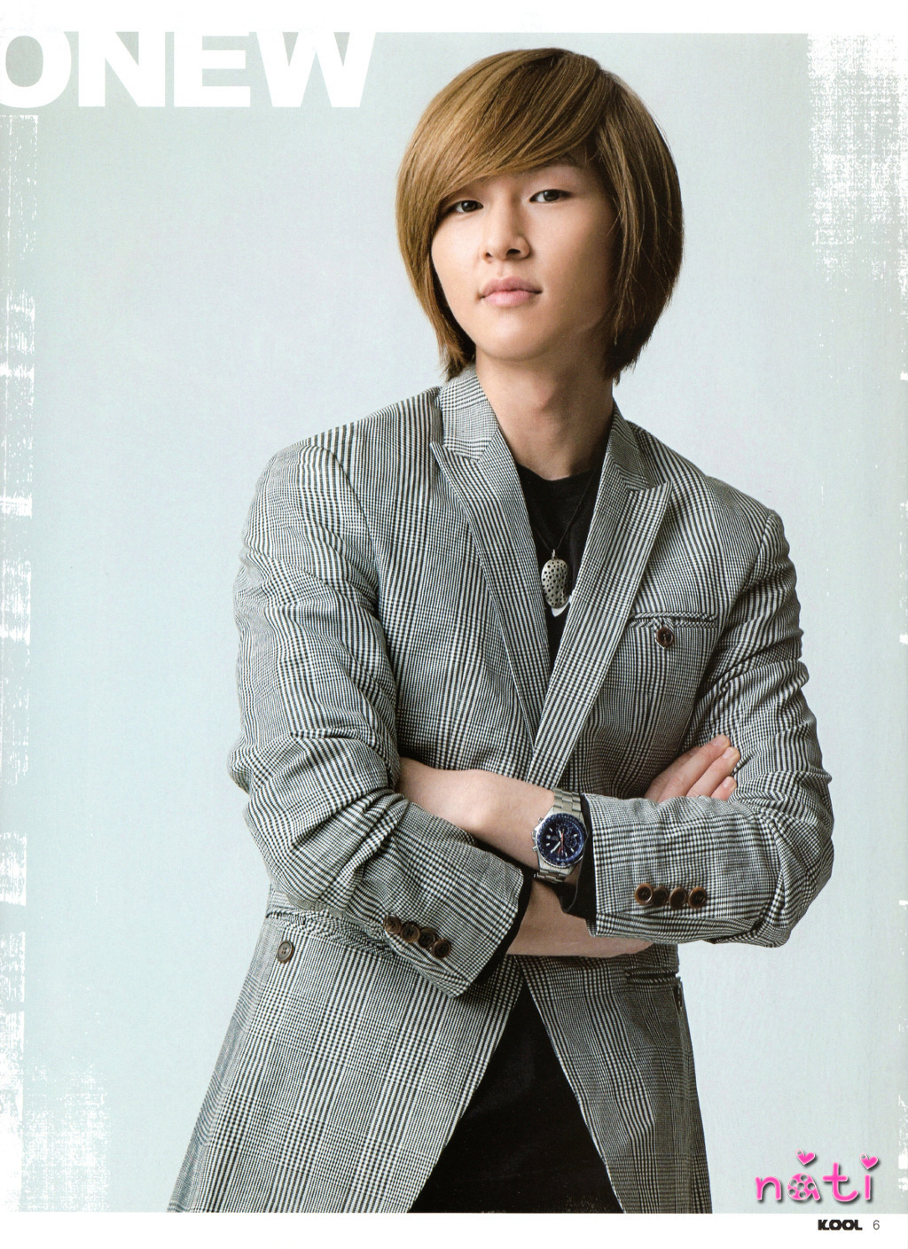 http://images4.fanpop.com/image/photos/17500000/onew-shinee-17530813-1024-1409.jpg