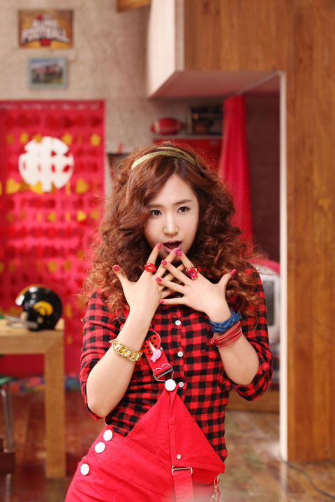 http://images4.fanpop.com/image/photos/17600000/-Older-postsSnsd-Making-Oh-MV-Photoshoot-girls-generation-snsd-17618885-480-720.jpg