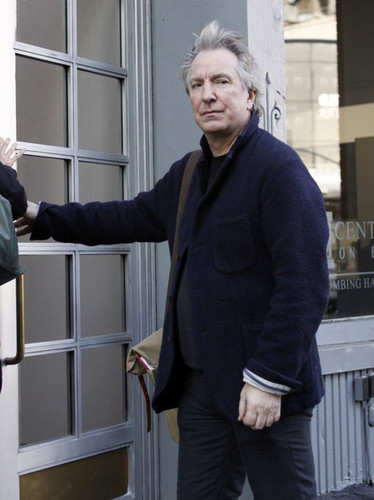 Alan Rickman Apartment Hunting In New York