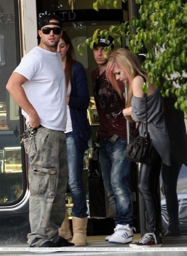 Avril , Amie , Matt Lavigne and Brody Jenner spotted at a Jewelry Store