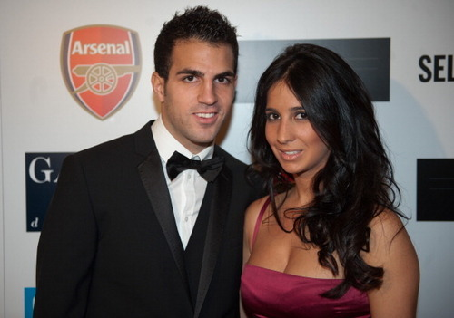 Cesc and Carla dining - cesc-fabregas Photo