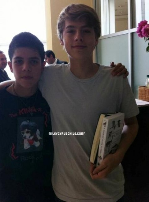Dylan and Cole प्रशंसक Meeting In Santiago!!