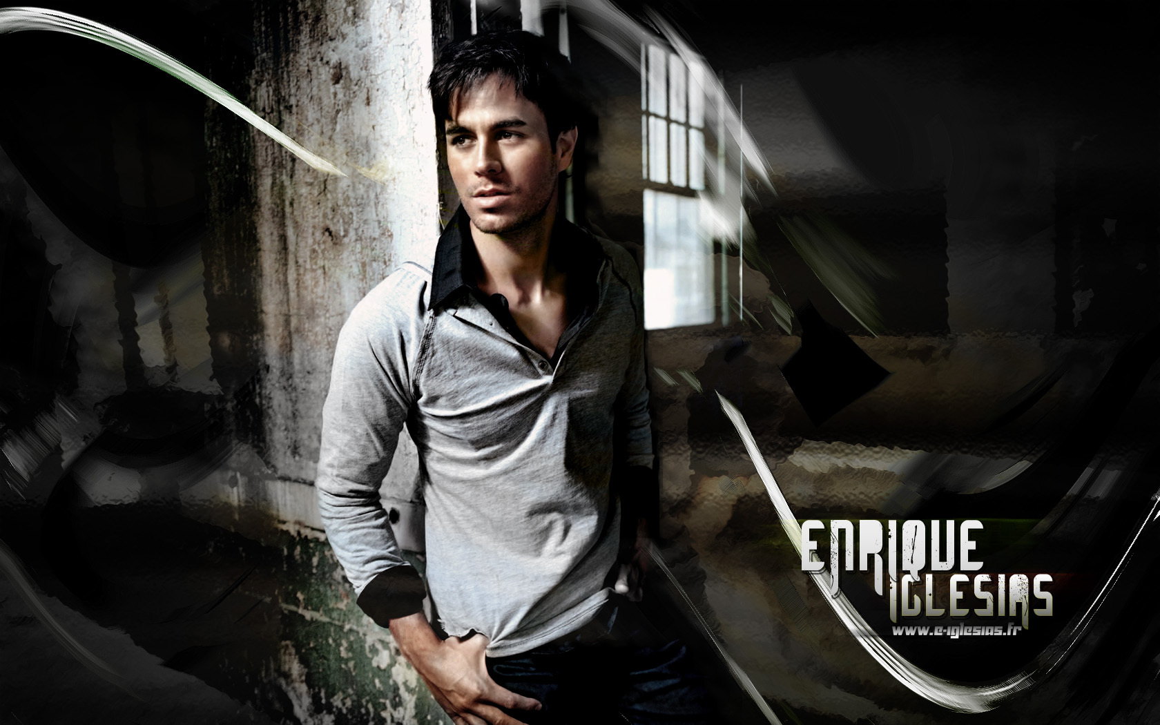 http://images4.fanpop.com/image/photos/17600000/Enrique-Iglesias-enrique-17679552-1680-1050.jpg