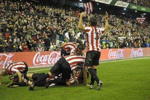 Fernando Llorente wallpaper with a football called Fernando Llorente Athletic Bilbao 2 - 1 Espanyol