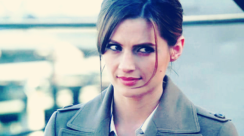 Kate Beckett karatasi la kupamba ukuta possibly containing a portrait called Gorgeous Beckett <3