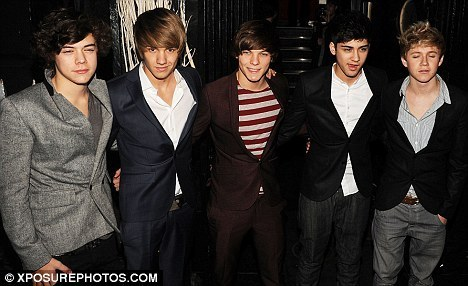 Heartthrobs: 1D At X Factor avvolgere Party Looking Very Handsome/Smart/Hot In Their Suits :) x