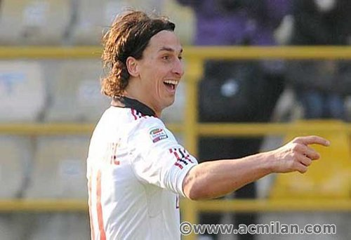 Zlatan Ibrahimovic वॉलपेपर possibly containing a टेनिस pro, a टेनिस player, and a गेंदबाज entitled Ibrahimovic...(Bologna-Milan 0-3, Serie A Tim 2010/2011)