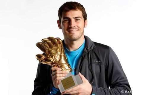 Iker and his golden guante