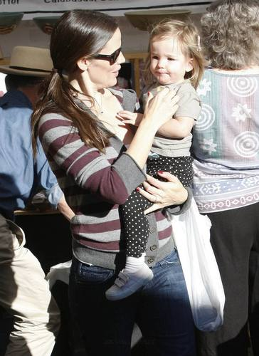 Jen and Ben at Farmer's Market With Their Daughters!