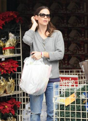 Jennifer Garner: Shopping Spree with বেগুনী & Seraphina!