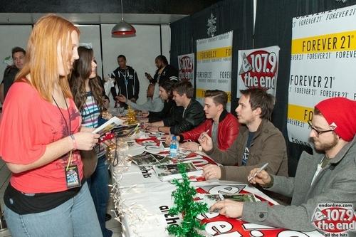 Jingle Ball 2010 - Meet & Greet