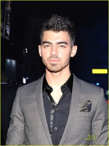 Joe Jonas : Tron Legacy Premiere (December 11)