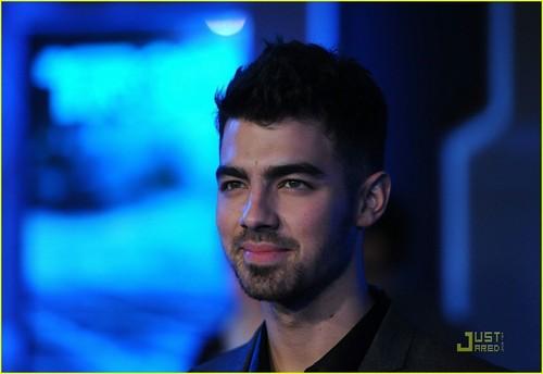 Joe Jonas: Tron Legacy Premiere (December 11)!