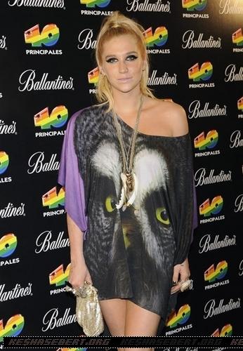Ke$ha @ '40 Principales Awards 2010' in Madrid - Press Room
