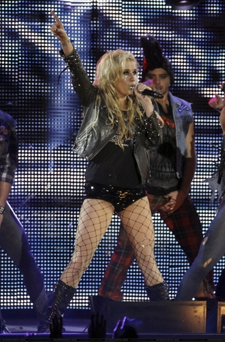 Ke$ha @ '40 Principales Awards 2010' in Madrid
