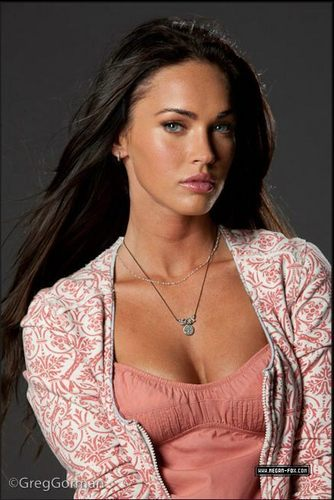 Megan fox - Transformers 2 Shoot