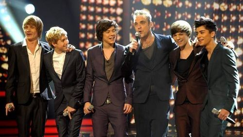 One Direction- 'She's The One' With Robbie Williams! ♥