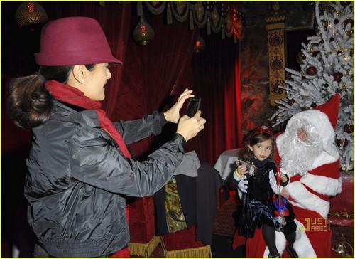 Salma Hayek: Valentina, Meet Santa!