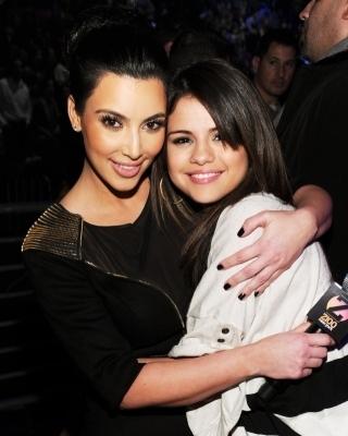 Selena @ The H&M Artist Gift Lounge At Z100's Jingle Ball