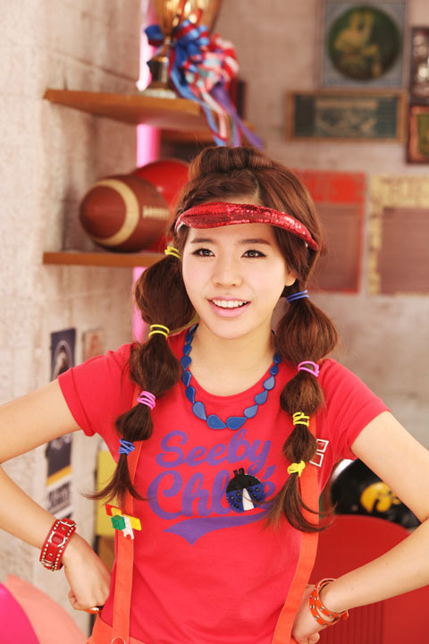 http://images4.fanpop.com/image/photos/17600000/Snsd-Making-Oh-MV-Photoshoot-girls-generation-snsd-17618832-480-720.jpg