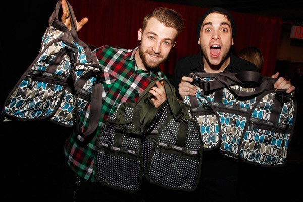 Z100 jingle ball 2010 at madison square garden gift room - Jingle ball madison square garden ...
