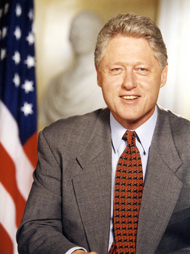 Bill Clinton wallpaper containing a business suit, a suit, and a three piece suit entitled bill clinton