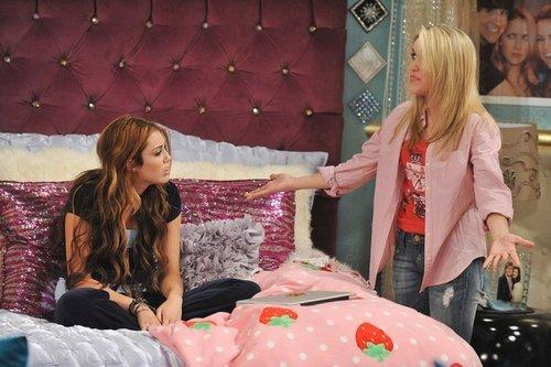 Hannah Montana Forever New Room